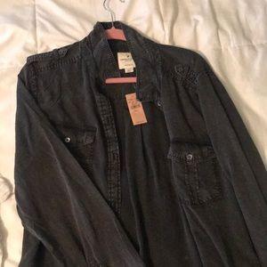 black bottom up shirt